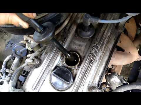 Уровень масла в свечах у 406 двигателя.