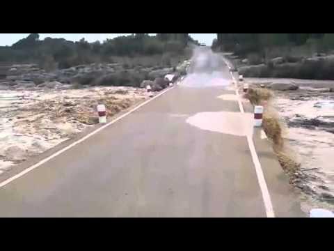 好驚人的洪水,你只有幾秒的逃命機會!