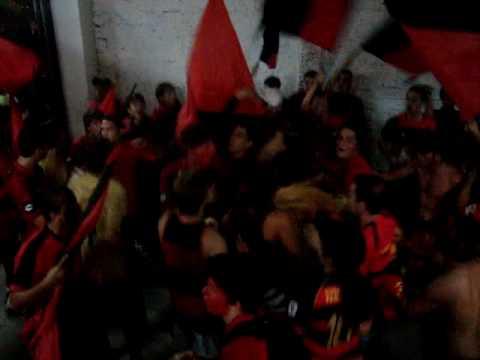 Sport 0 X 2 Porcas - BRAVA ILHA entrando nas arquibancadas - Brava Ilha - Sport Recife - Brasil - América del Sur