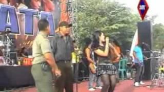 Alun Alun Nganjuk- Devi Aldiva Monata - Copy.mpg Video