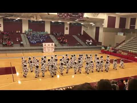 Hallsville High Schoolin tanssijoukkue esittää: Eat mor chikin