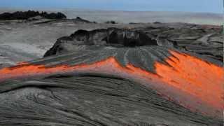 Video Rivers of molten lava high up Pulama Pali - Kilauea Volcano Hawaii MP3, 3GP, MP4, WEBM, AVI, FLV September 2018