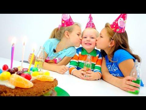 Настя и Ксюша: С ДНЕМ РОЖДЕНИЯ, ВОВА! Готовим вместе с Миньонами Торт. Рецепты для детей (видео)