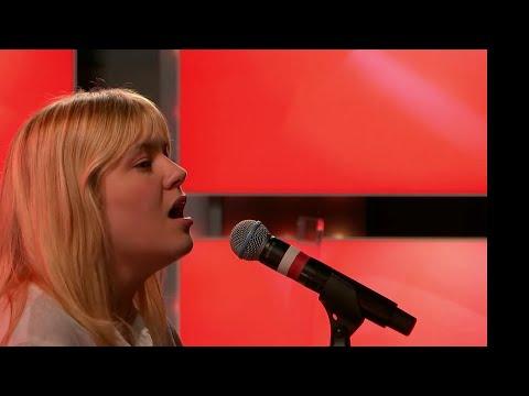 Louane - Aimer à mort - live Les Grosses Têtes RTL 21.06.2021