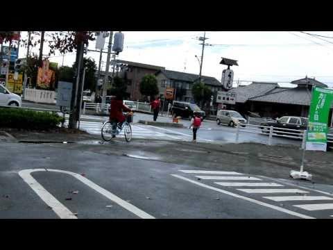 「大都市東京でのまさかの大停電。信号も停止した、その時の交差点の模様。」のイメージ