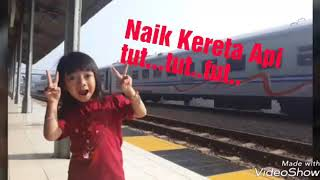 Naik kereta api tut..tut ...tut...