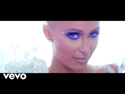 Video Klip Come Alive dari Paris Hilton