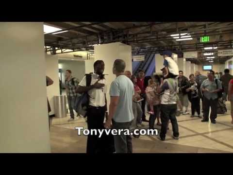 Man confronts undercover officers and TSA agents at LAX when they ask how much money he is carrying