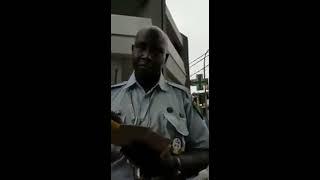 Video Un policier corrompu pris en flagrant déli - Quelle honte pour le Sénégal MP3, 3GP, MP4, WEBM, AVI, FLV September 2017
