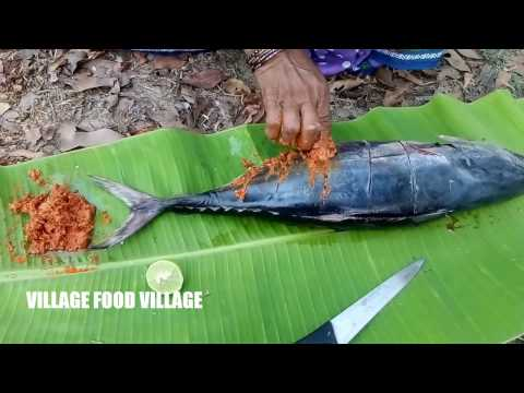 Yellowfin Tuna Fish BBQ Recipe By My Grandma || Cooking In Banana Leaf || Satisfying Video 2017