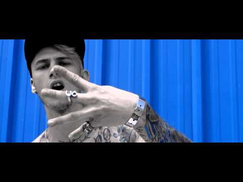 Фото Machine Gun Kelly - Blue Skies