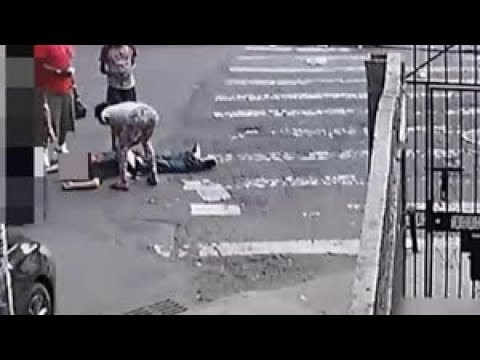 Man punched and knocked out, then robbed at Bronx intersection