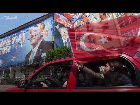 لا-يجد-الأتراك-ما-يفعلونه-سوى-الانتظار