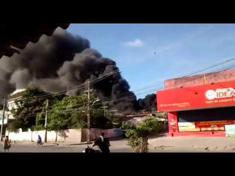 Incendio desrtoi supermercado no bairro do jordão.