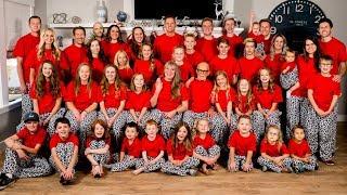 Family Christmas Jammies Picture 2018!!  45 Matching Pajamas