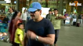 Saif Ali Khan Return From Iifa Awards 2017.Click NOW  For the spiciest gossip updates :-http://goo.gl/vHrhfIts For Free !!!!