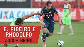 Everton Ribeiro e Rhodolfo participaram do jogo-treino contra o Barra da Tijuca. O Flamengo venceu por 5x1 no CT George Helal...