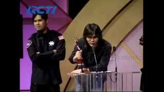 Video Once 'Dealova' - Artis Pop Solo Pria Terbaik - AMI 2006 MP3, 3GP, MP4, WEBM, AVI, FLV Maret 2018