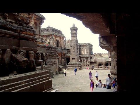 i templi di elura scavati nella roccia viva