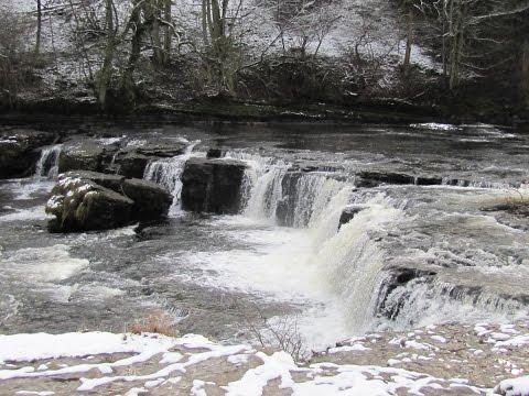 West Burton to Aysgarth Falls and Cauldron Falls round   yorkshire dales  Walks