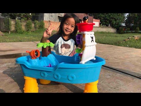 Home Schooling | Belajar Sifat Dasar Air dengan mainan Wadah Pasir dan Air bentuk Perahu