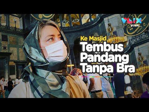 Kunjungi Masjid Pamer Puting, Amber Heard Dikecam Umat Muslim