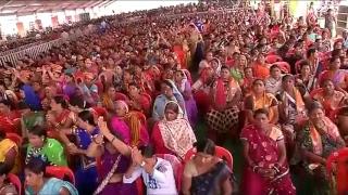 छत्तीसगढ़ के बिलासपुर में पीएम नरेंद्र मोदी जनता को संबोधित करते हुए।