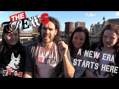 era - Russell Brand The Trews (E215). EXCLUSIVE: New Era victory the tenants & Russell explain how they beat Westbrook. Subscribe Here Now: http://tinyurl.com/opragcg and send links to video news...