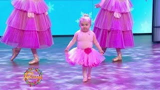 Video Watch Our Favorite Tiny Dancer Perform the Nutcracker with the New York City Ballet MP3, 3GP, MP4, WEBM, AVI, FLV Mei 2019