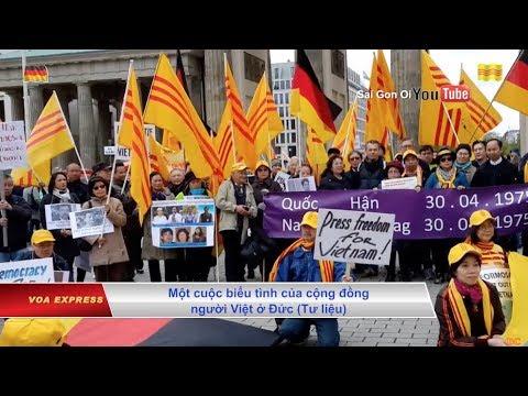 Video Người Việt tại Đức biểu tình phản đối vụ Trịnh Xuân Thanh download in MP3, 3GP, MP4, WEBM, AVI, FLV January 2017