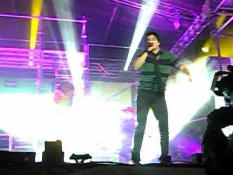 Luan Santana - Coladinho - Pirai do Sul 05/05/12