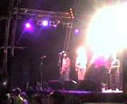Kanda Bongo Man on the Mainstage at Greenbelt 2007 - 2