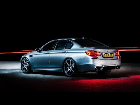 BMW M5 30 Jahre Edition Review | www.hartvoorautos.nl | English Subtitled