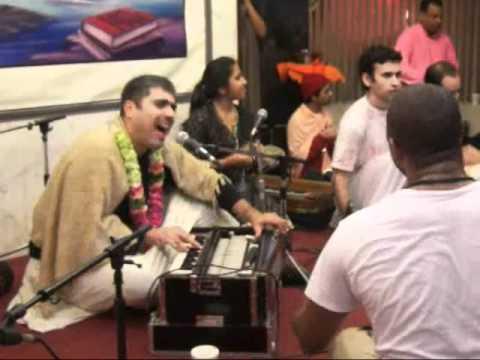 Video Ashtaprahar 02,21,2011 - Toronto 24-Hour Kirtan Festival - Bhajan Sandhya - 16-17 download in MP3, 3GP, MP4, WEBM, AVI, FLV January 2017