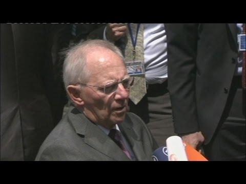 Β. Σόιμπλε: Οπισθοδρόμηση και αβέβαιη η συμφωνία στη σύνοδο