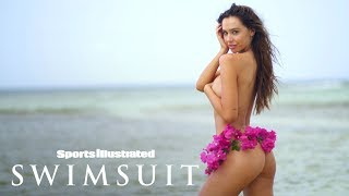 Video Alexis Ren Wears Nothing But A Bikini Bottom Made Of Flowers | Candids | Sports Illustrated Swimsuit MP3, 3GP, MP4, WEBM, AVI, FLV September 2018