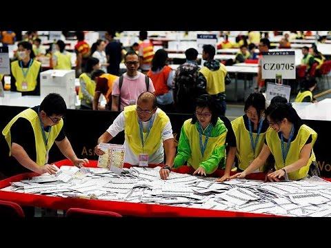 Χονγκ Κονγκ: Αυξημένη συμμετοχή στις κάλπες
