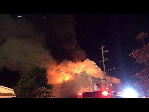 Όουκλαντ: Αναζητούν δεκάδες αγνοούμενους στα ερείπια κτιρίου που κάηκε