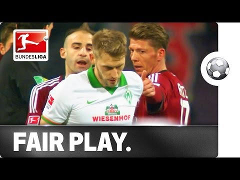 True sportsmanship displayed by Aaron Hunt of Werder Bremen as he refuses to take a penalty claiming he wasn't fouled.
