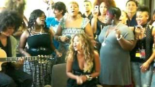 Beyonce singing Irreplaceable at National University Hospital, Singapore