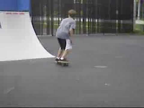 Skating Sawmill skatepark