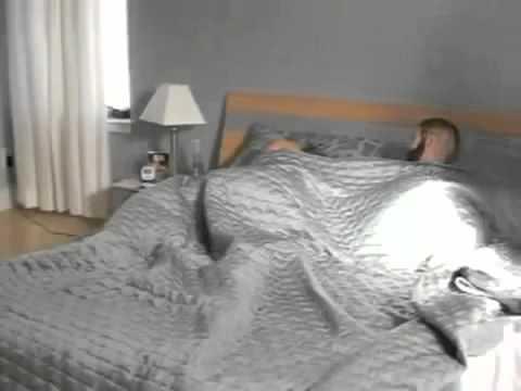 Wie man richtig wichst - So weckt man seine Freundin. total lustig :D.