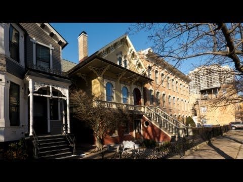 Old Town Triangle home closes quick sale at $201K over list