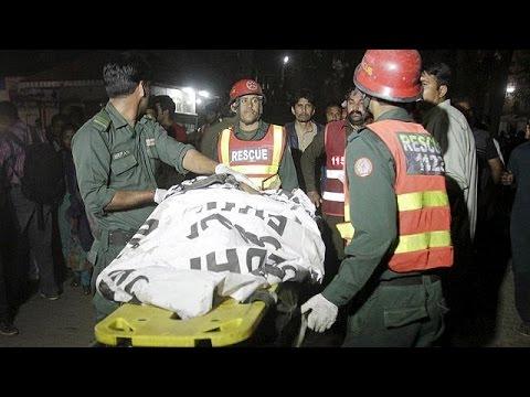 Πακιστάν: Μακελειό με θύματα γυναικόπαιδα