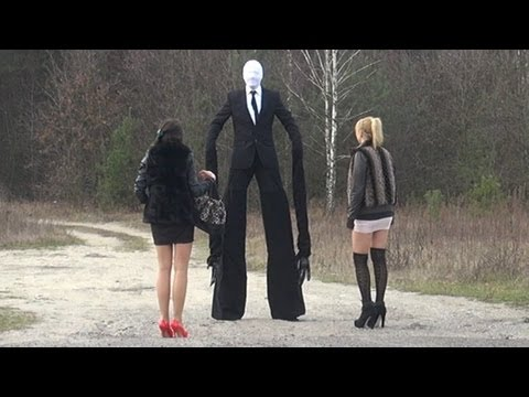 creatura terrificante tra la gente - scherzo