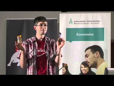 Yoram Bauman die  'Stand-Up Economist ' an der Lancaster University Management School