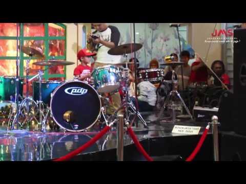 Cuplikan konser malioboro mall 30 Desember 2016