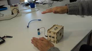 Theremin fet amb Arduino