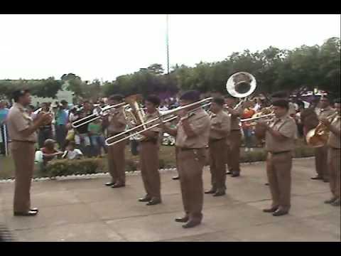 Banda tocando no desfile de 7 de setembro em Jaupaci-GO