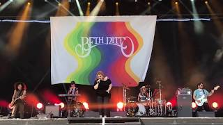 """Beth Ditto """"Oh My God"""" live bei Rock im Park 2018"""